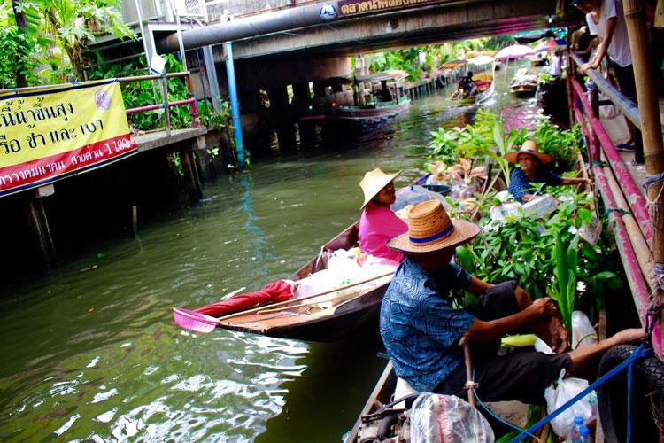 Vendors on boats at Khlong Lat Mayom in the southwestern part of the Bangkok.