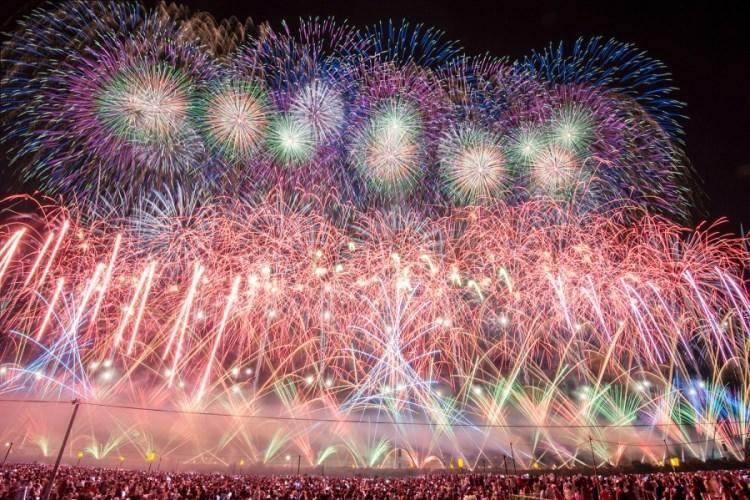 The All Japan Fireworks Competition is one of the most prestigious fireworks displays in the world as 28 fireworks experts compete in Omagari, Daisen city, Akita prefecture. It takes place Aug. 31, 5:15-6 p.m., 6:50-9:30 p.m. (PHOTO COURTESY OF DAISEN CITY, AKITA PREFECTURE)