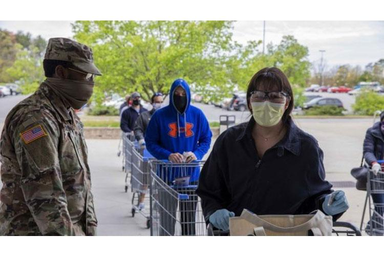 Customers stand in line to get into the Fort Meade, Maryland, Commissary. DeCA photo: Fort Meade Commissary