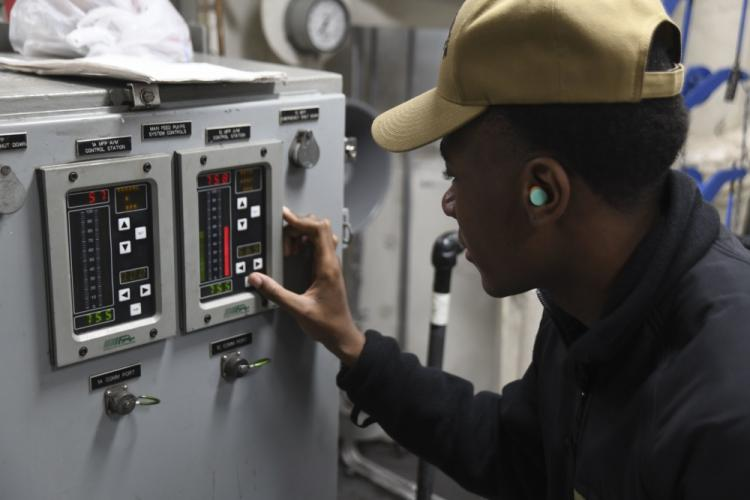 U.S. Navy photo by Mass Communication Specialist Seaman Matt Hall