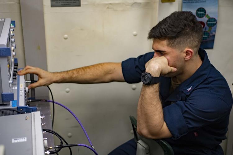 U.S. Navy photo by Mass Communication Specialist 3rd Class Vincent E. Zline
