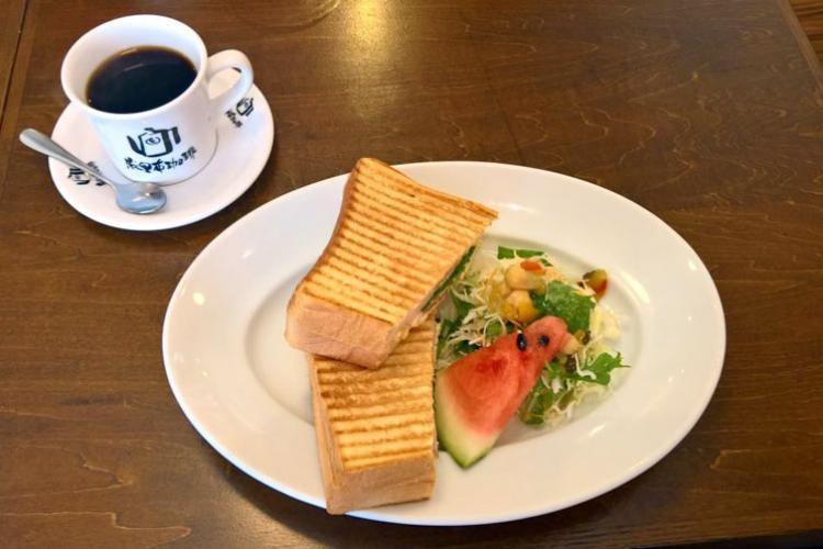 Marifu's panini sandwich (680 yen) is filled with egg salad, ham, lettuce and tomato. (JAMES BOLINGER/STARS AND STRIPES)