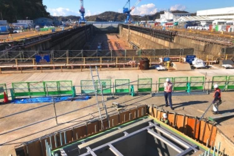 A major overhaul that will extend the service life and capabilities of Dry Dock 6 (DD6) and Pump Facility (J6) at Commander, Fleet Activities Yokosuka, was recently completed ahead of schedule by the Facilities Engineering Acquisition Division (FEAD) Yokosuka. Five projects were concentrated in three areas totaling $15,070,000: pipe replacement in the YSK-J6 Pump House, repair work of the dry dock lighting system and gallery columns, and capstan replacement.