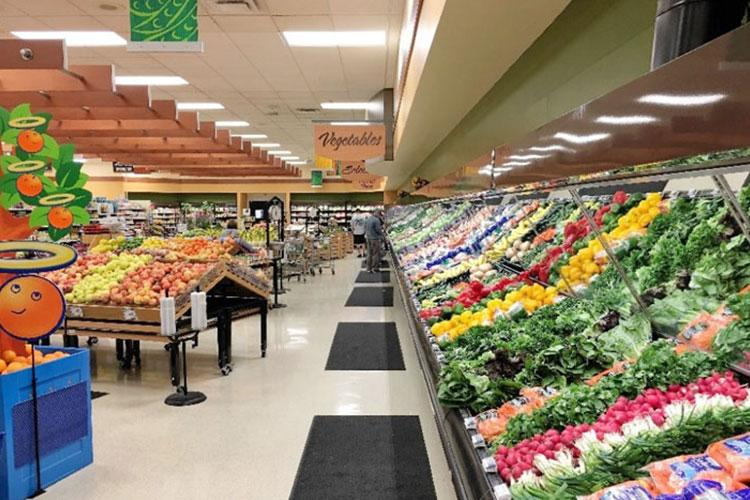 Commissaries are good sources for products that support heart health – products featuring leafy green vegetables, certain berries, whole grain, lean protein foods, good sources of omega-3 fatty acids via fish and nuts, green tea and dark chocolates – at significant savings compared to commercial retail stores. (DeCA photo)