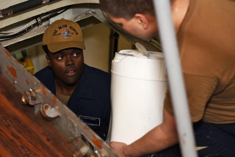 U.S. Navy photo by Mass Communication Specialist Seaman Sarah Eaton
