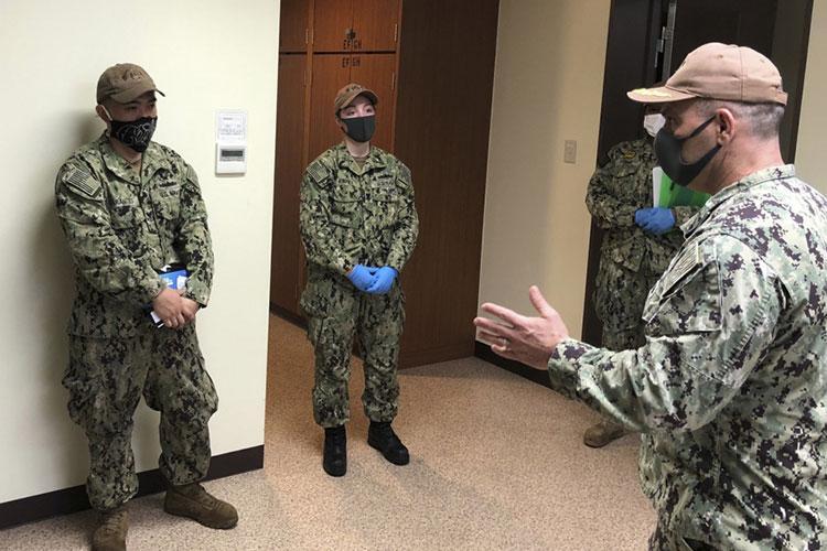 U.S. Navy photo by Mass Communication Specialist 2nd Class Geoffrey P. Barham)