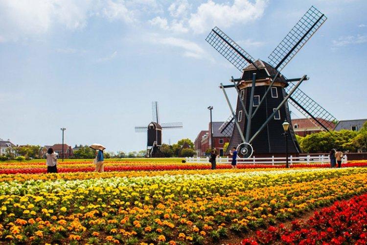 Huis Ten Bosch: Dutch theme park in Sasebo, Nagasaki