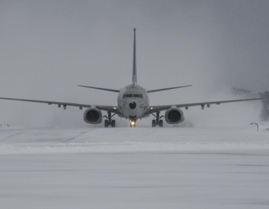 VP-8 taxis down snowy flight line