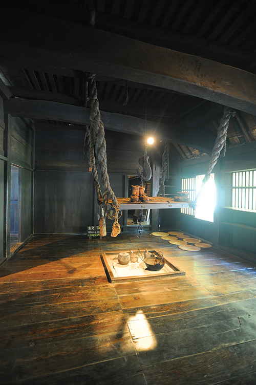 In Japan Outdoor Exhibits Preserve Home Life Of Old